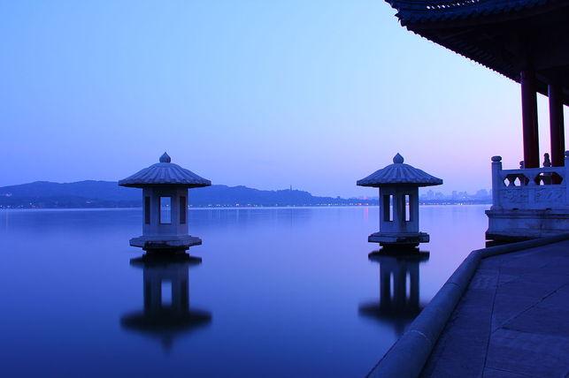 Lake-Chinese-Hangzhou-Zhejiang-Province_EDIIMA20140826_0573_16 ghetryhtyh